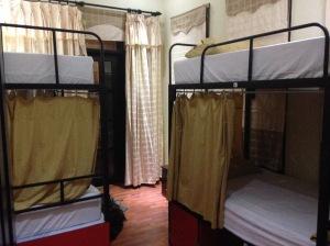 Dorm Room - Da Nang Backpackers Hostel - Da Nang