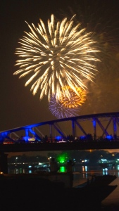 2015 New Year Fireworks over the Gustave Eiffel's Truong Tien Bridge - Hue, Vietnam